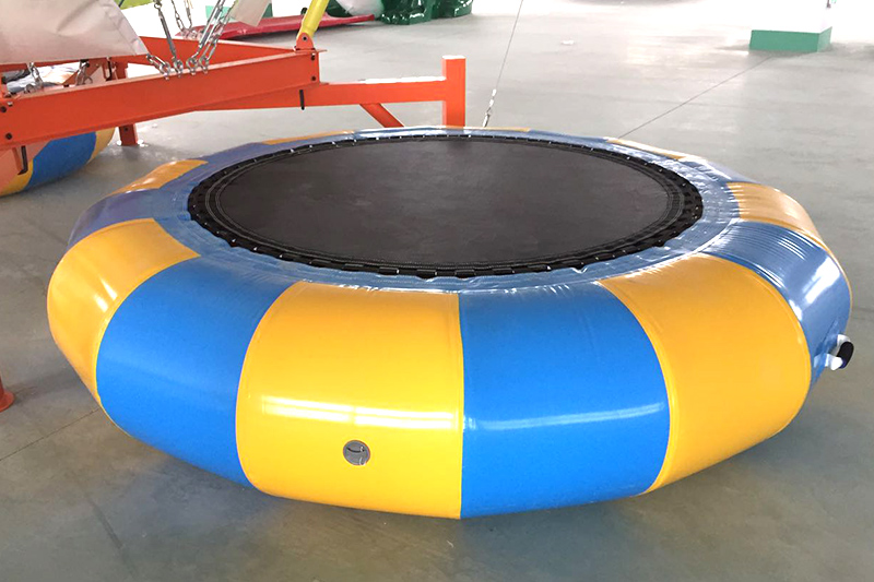 Bungee trampoline for 4 persons